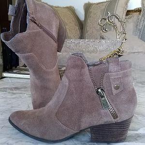Shoes - Crown vintage boots